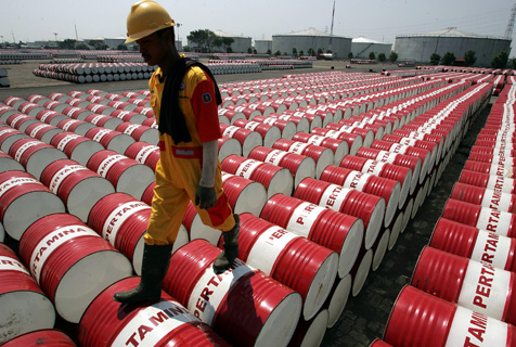 Indonesia_oil_drum_z